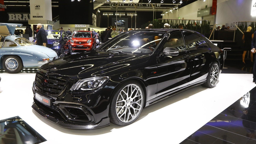 700-HP Brabus Mercedes E63 S Looks Absolutely Evil In Frankfurt