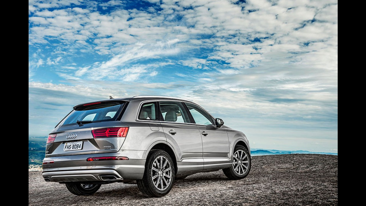"""Novo Audi Q7 com """"direção nas quatro rodas"""" chega por R$ 399.990"""