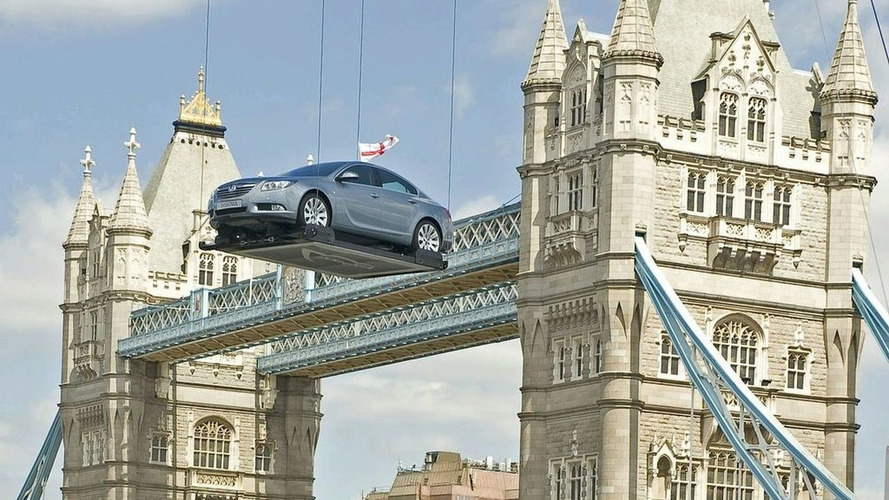 Vauxhall Insignia Drops in on London