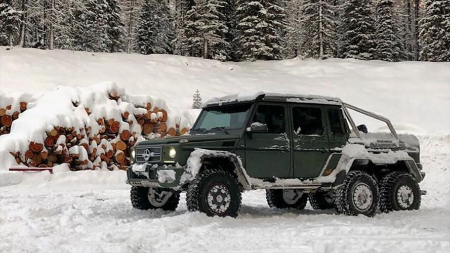 Mercedes G 63 AMG 6x6, la neve l'ha messa K.O.