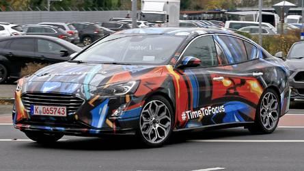 Flagra - Novo Ford Focus 2019 se exibe em detalhes