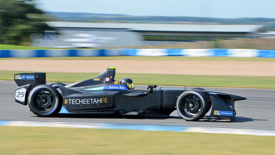 Vergne breaks lap record to top second Formula E test day