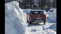 Pneumatici estivi vs invernali, la folle sfida sulla neve