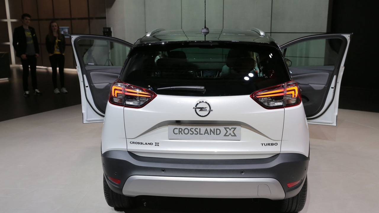 opel crossland x is slightly cheaper than peugeot 2008. Black Bedroom Furniture Sets. Home Design Ideas