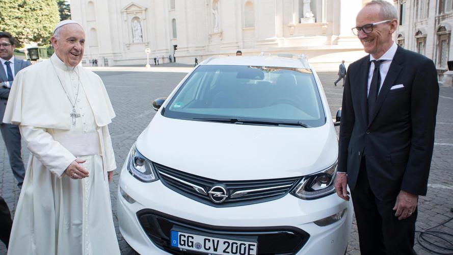 Papa Francis'in yeni aracı bir Opel Ampera-e