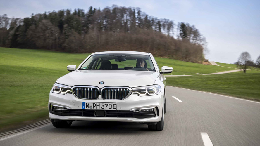 2017 BMW 530e iPerformance First Drive