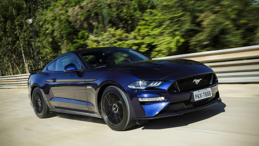 Ford Mustang já emplaca 500 unidades no Brasil