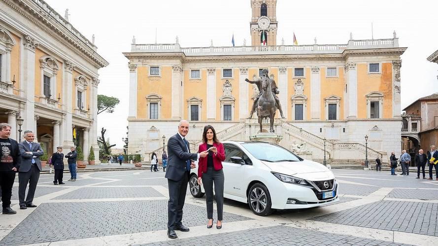 Nissan Leaf, la nuova auto di Virginia Raggi