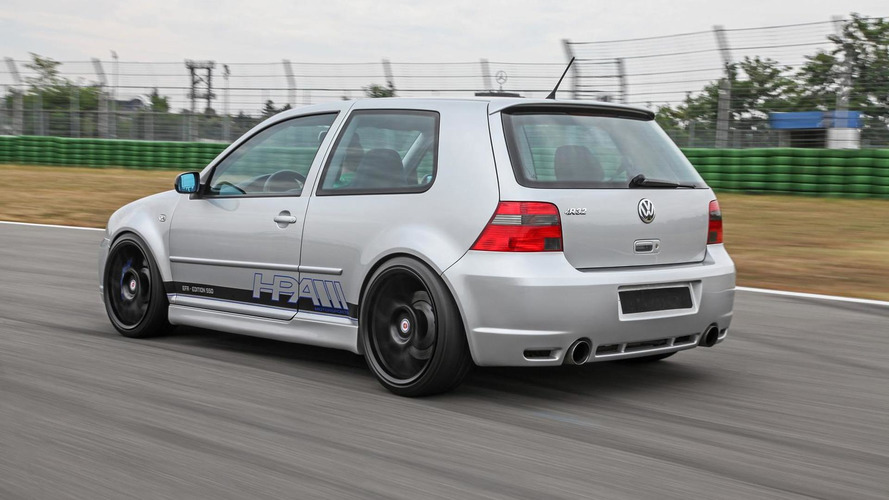 Volkswagen Golf IV R32 by HPerformance is a 550 PS blast from the past
