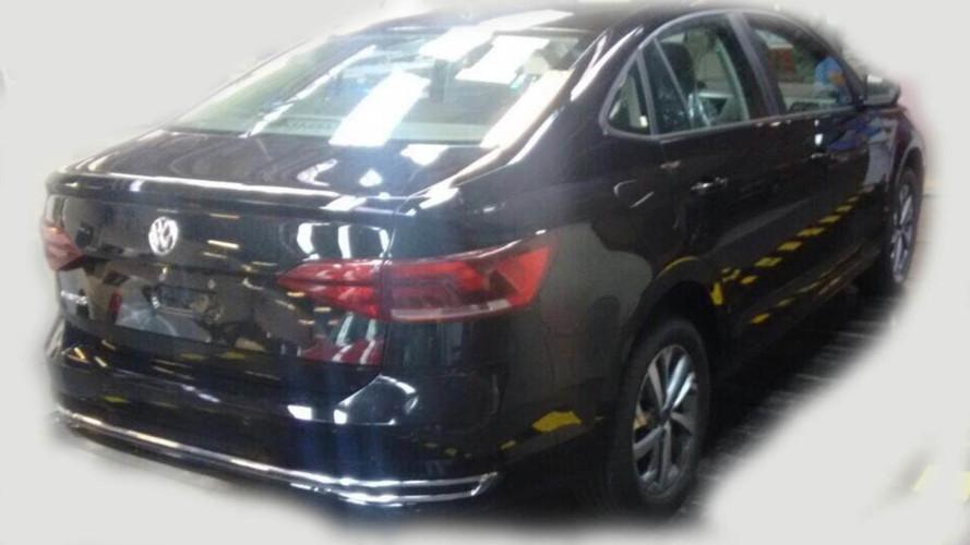 Yeni Volkswagen Polo Sedan kamuflajsız yakalandı