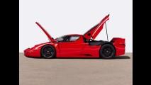 Michael Schumacher İmzalı Ferrari FXX Yeni Sahibini Bekliyor