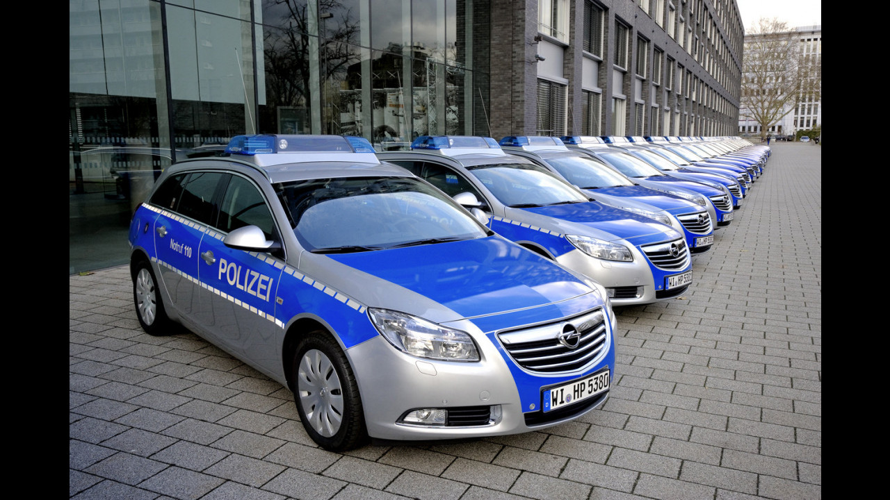 Opel Insignia Sports Tourer Polizei