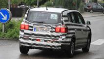 Chevrolet Orlando spied showing new details