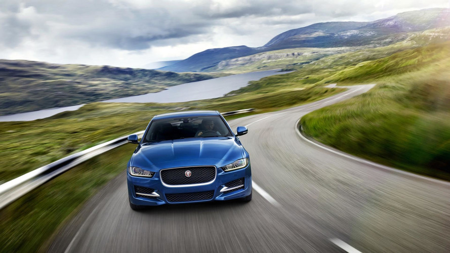Jaguar XE 2018 ganha novos motores Ingenium no Brasil
