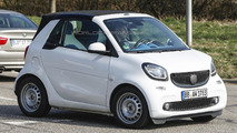 2016 Smart ForTwo Cabrio spied undisguised