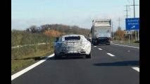 Flagra: Mercedes SLC, o rival do Porsche 911 roda em testes