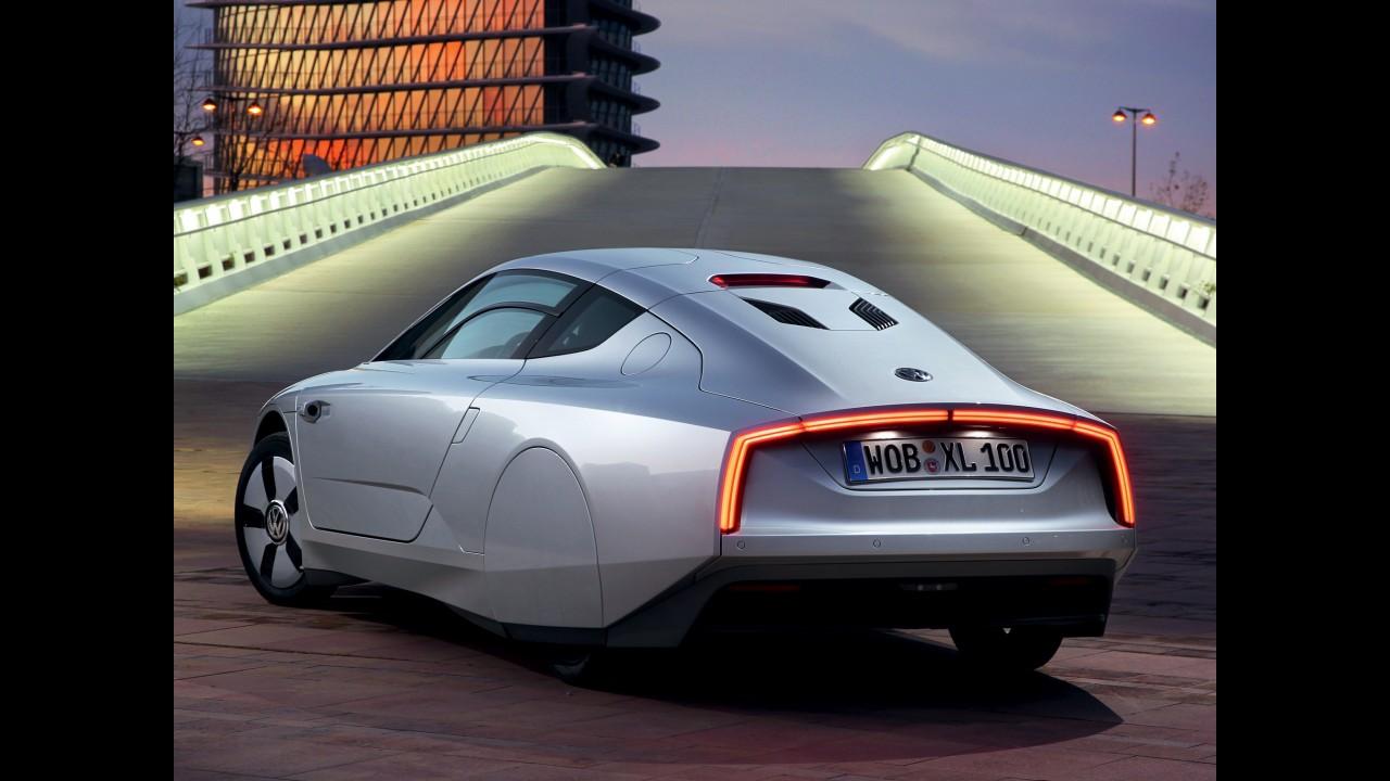 """Volkswagen pode """"esticar"""" XL1 e oferecer espaço para até quatro passageiros"""