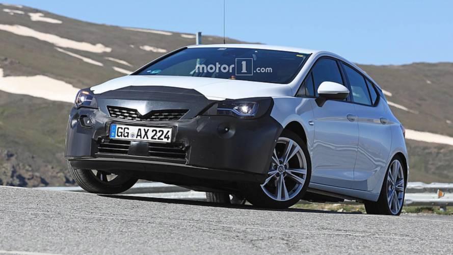 Yeni Opel Astra hafif makyajını gizlerken görüldü