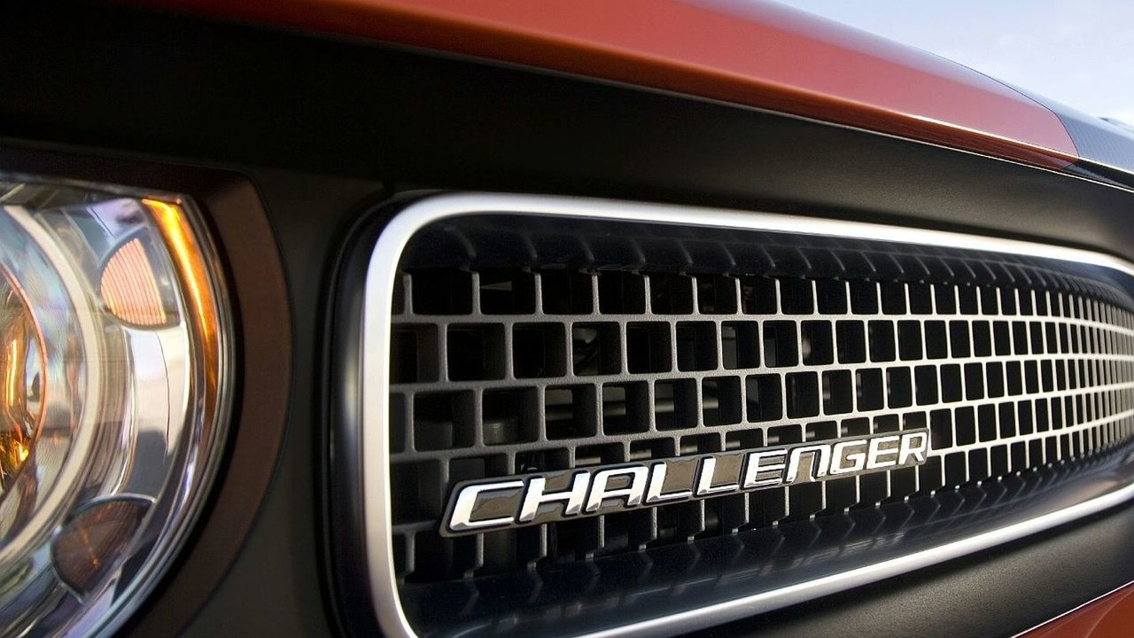 Wide, smiley grille