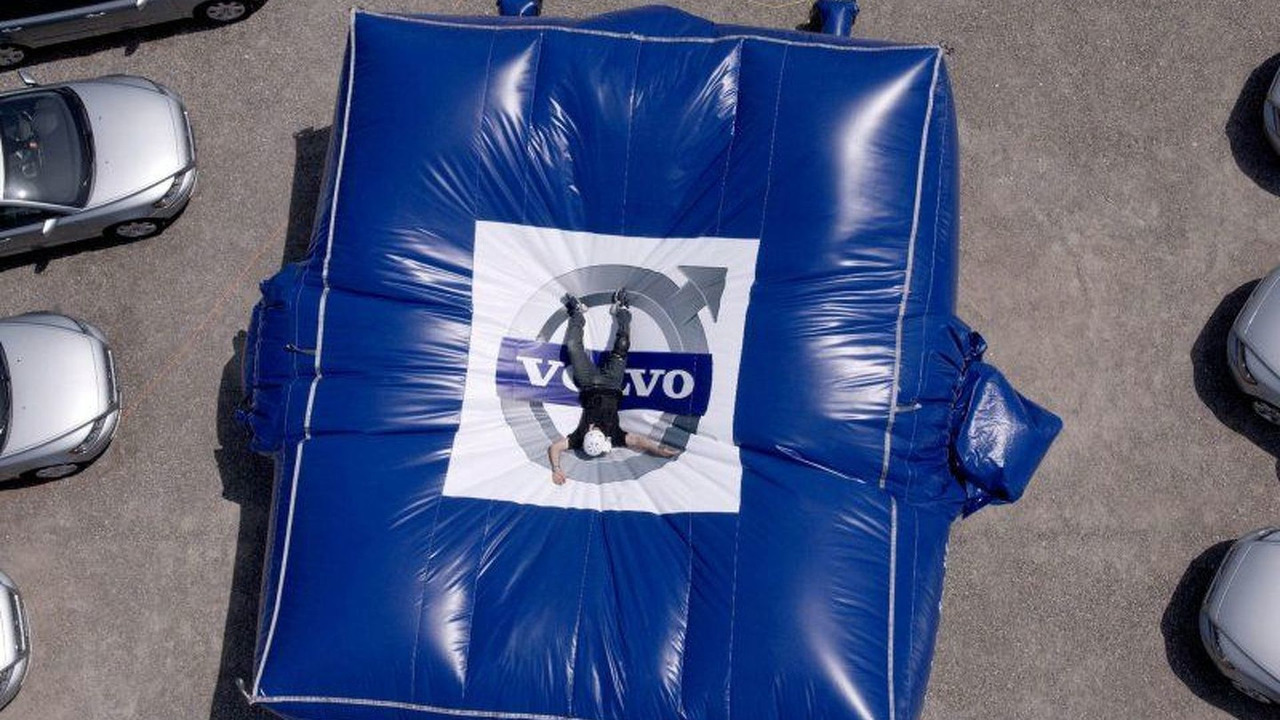 Worlds Biggest Volvo Air Bag
