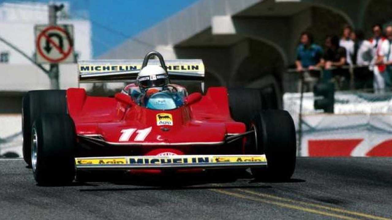 Villeneuve beats Scheckter at Long Beach in 1979 / © Sutton Images
