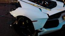 Lamborgini Aventador crash splits supercar in half