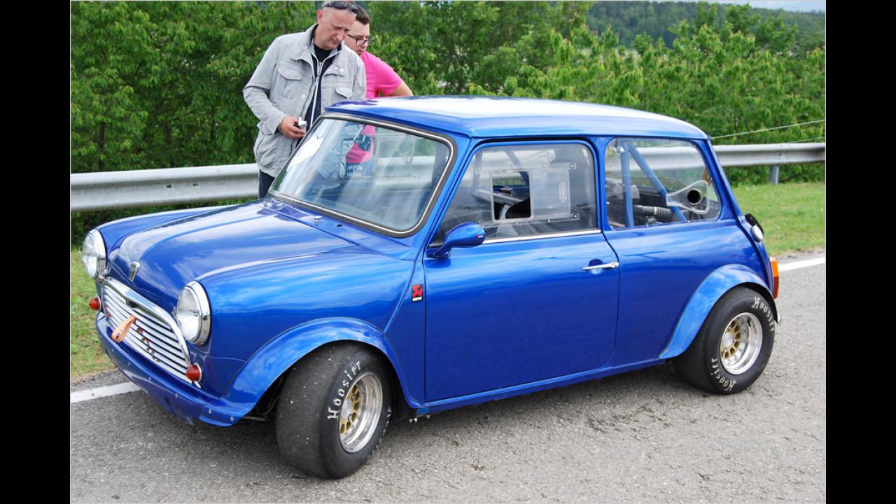 Bei diesem Mini fallen besonders die Slicks, die Schiebefenster im Rallye-Trimm und die hinteren Lufteinlässe auf.