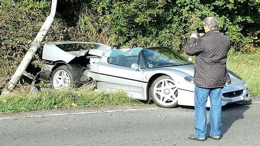 Ferrari F50 crashes in UK near Silverstone track