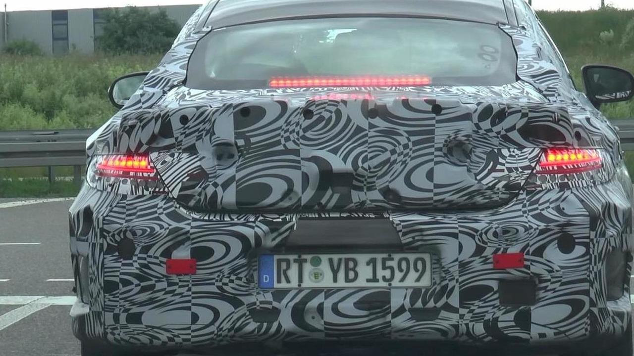 2016 Mercedes-Benz C-Class screenshot from spy video