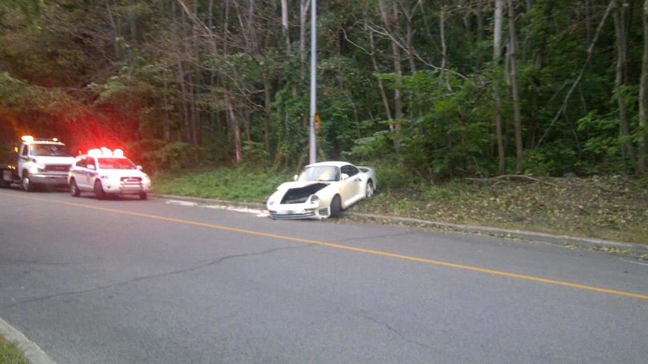Porsche 959 crash