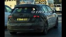 Flagra: Fiat apronta Tipo hatch para estreia no Salão de Genebra