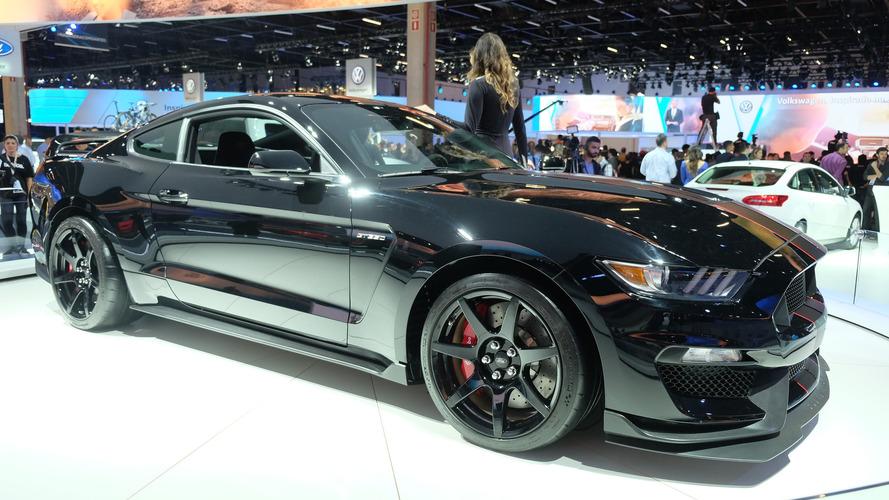 Importadora traz primeiro Shelby GT350R ao Brasil por R$ 630 mil