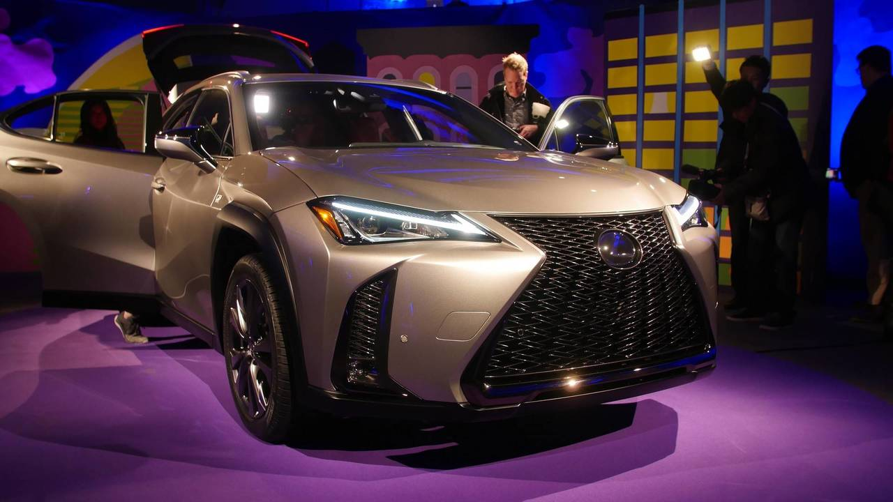 lexus ux celebrates u s debut at new york auto show. Black Bedroom Furniture Sets. Home Design Ideas