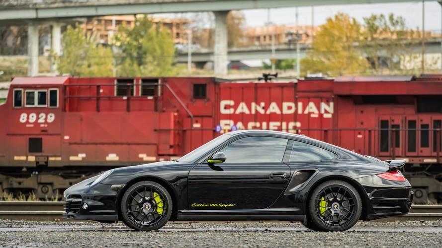Nadir Porsche 911 Edition 918 Spyder yeni sahibi için hazır