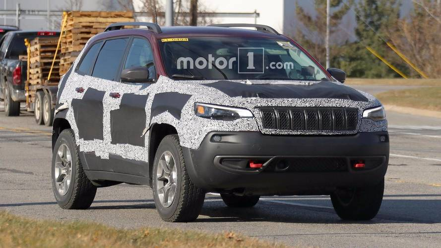 Jeep Cherokee Trailhawk 2019 - Flagra