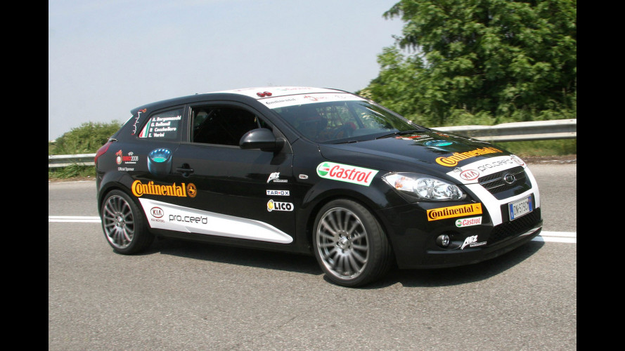Una KIA di serie alla 24 Ore del Nurburgring