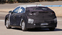 2016 Hyundai plug-in hybrid electric vehicle prototype spy photo