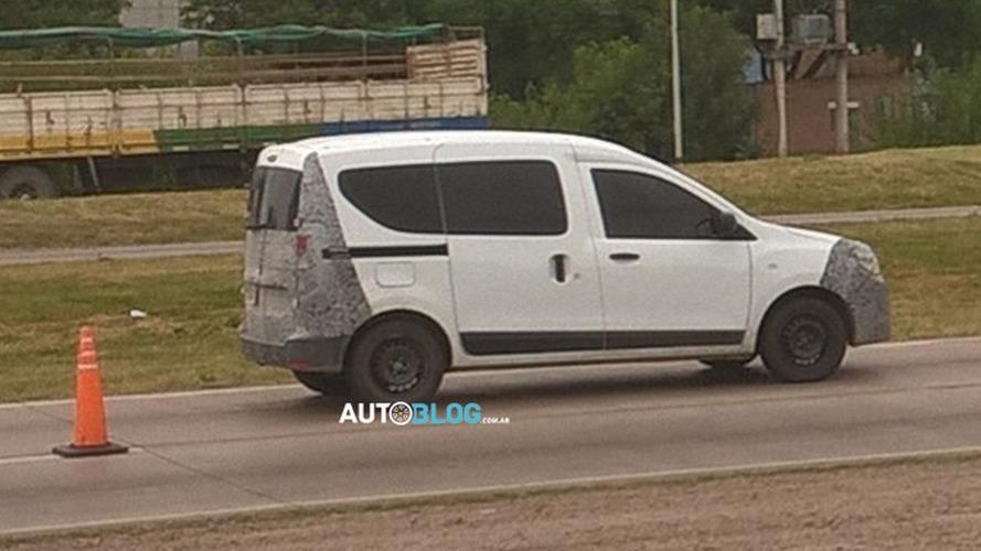 Flagra! - Sucessor do Renault Kangoo é pego em testes