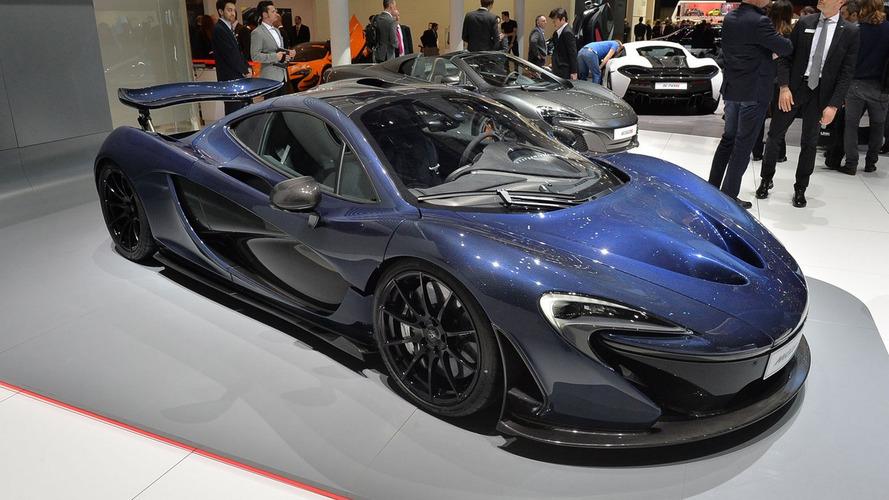 McLaren P1 lands in Geneva with exposed carbon fibre body