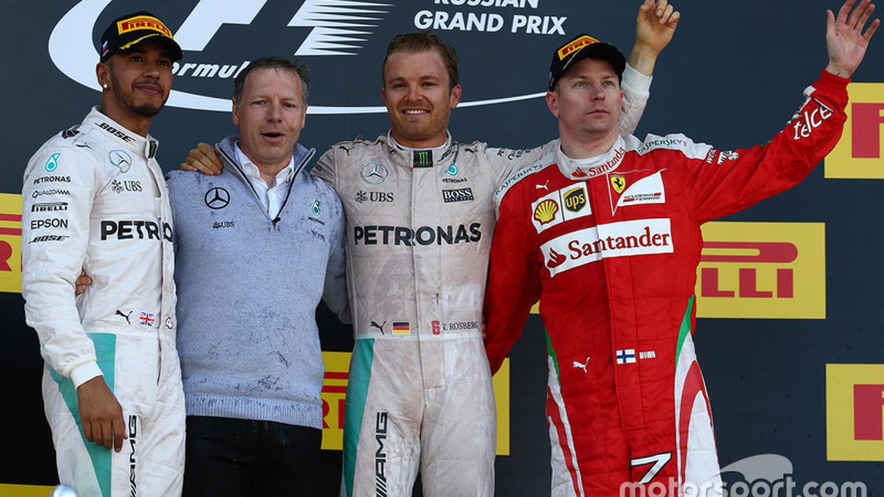 Podium: winner Nico Rosberg, second Lewis Hamilton, third Kimi Raikkonen