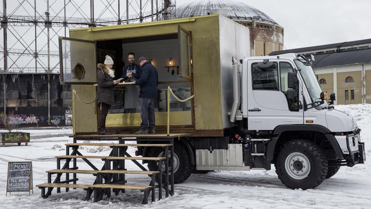Mercedes-Benz Unimog U 318 food truck