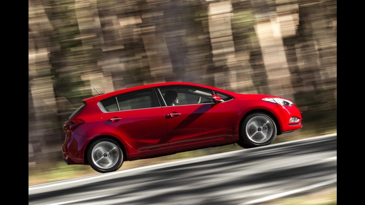 Kia Cerato hatch tem frente do sedã e preço de R$ 42.800 na Austrália