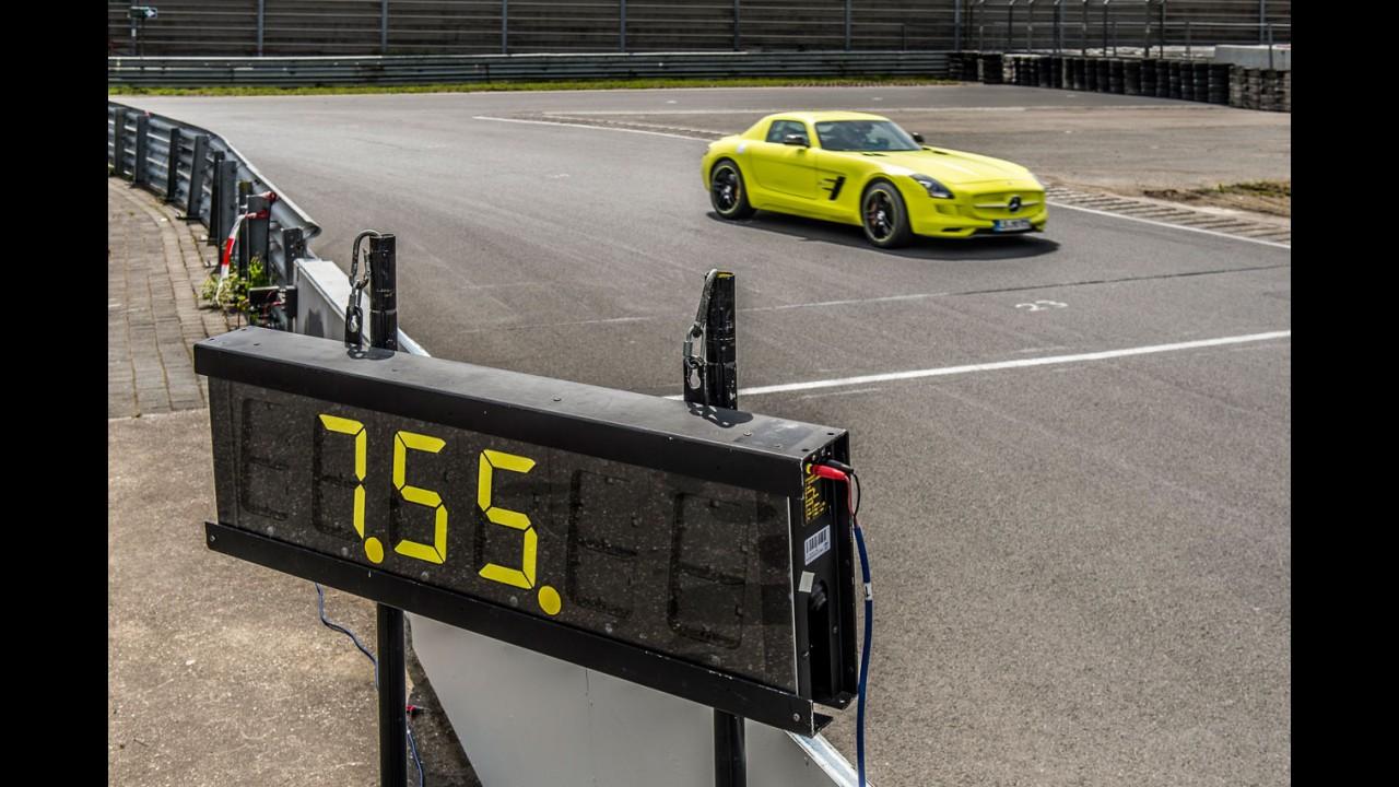 SLS AMG Eletric Drive bate recorde e desbanca R8 e-tron em Nürburgring