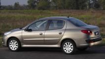 SEDÃS COMPACTOS, resultados de outubro: Peugeot 207 Passion lidera pelo 2º mês seguido