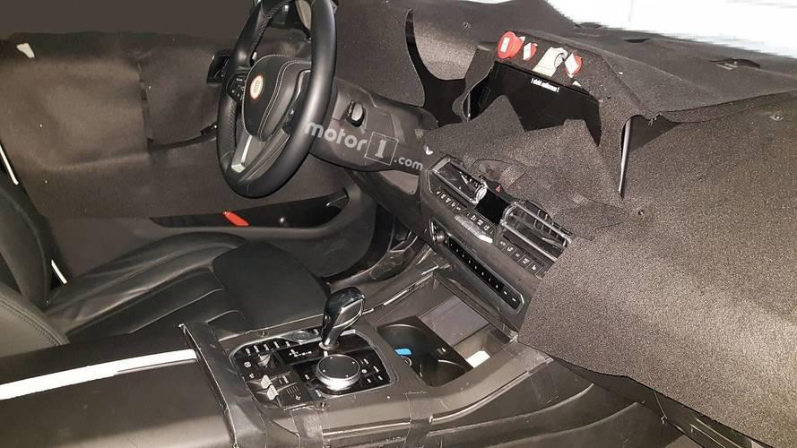 L'intérieur de la BMW X7 en photos espion