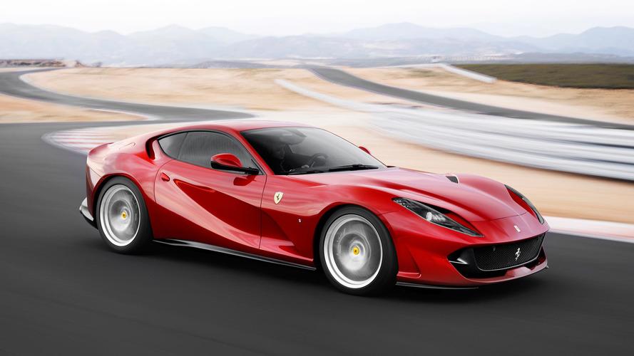 Ferrari, 812 Superfast'i hızlı yapan şeyi dört video ile gösterdi
