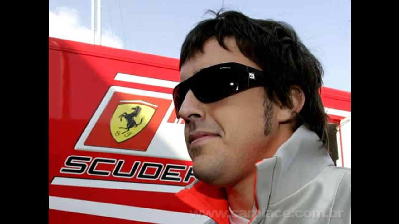 Ferrari confirma contrato com Alonso - Será que ele se entenderá com Massa?