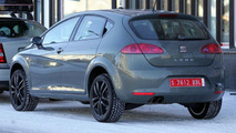 Seat Leon SUV spy photos