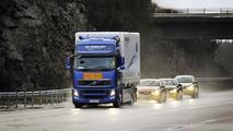 Volvo shows off semi-autonomous road train tech [videos]