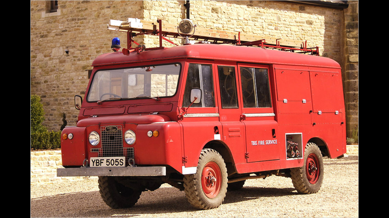 Land Rover 109'' IIA Forward Control Fire Engine